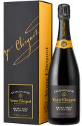 Veuve Clicquot - Extra Brut Extra Old in giftbox - 0.75 - n.m.